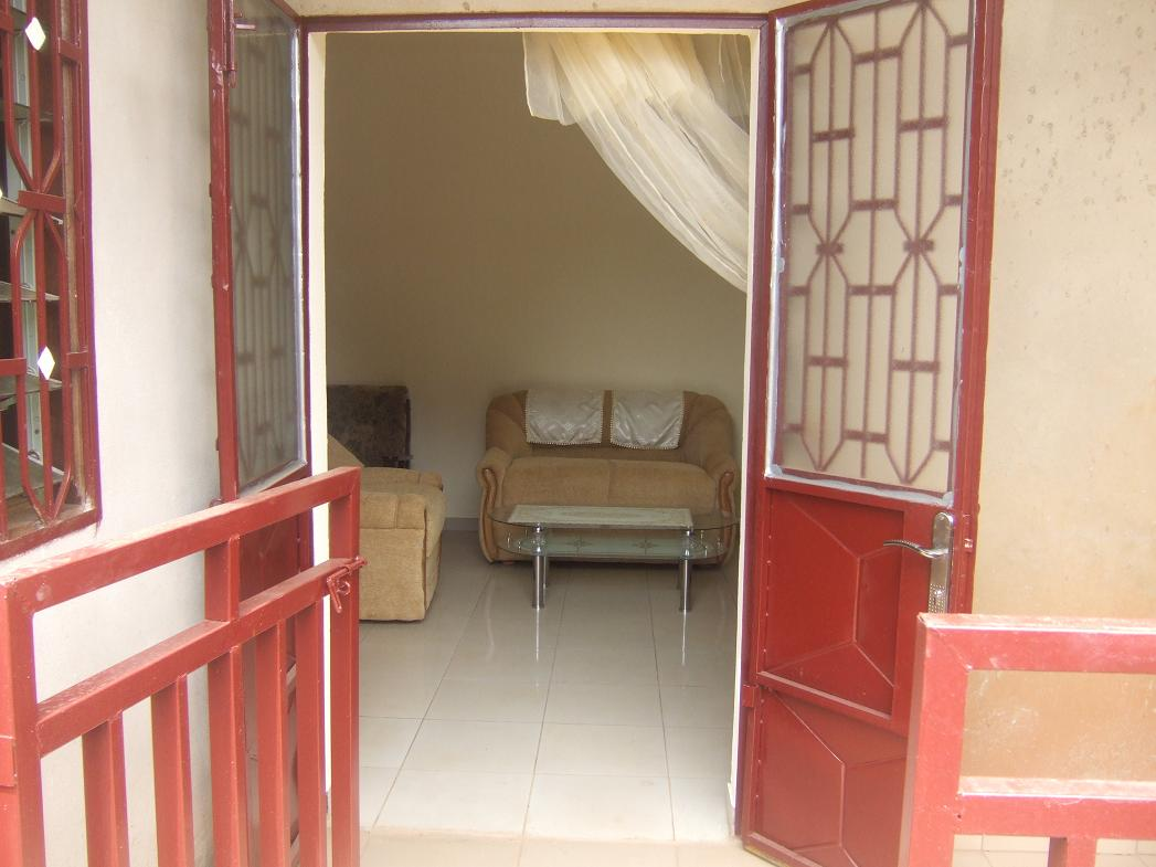 Location appartement maison emombo yaounde cameroun for Appartement meuble a yaounde cameroun